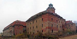 zamek z żarach