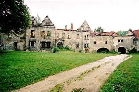 Dwór w Warcie Bolesławieckiej