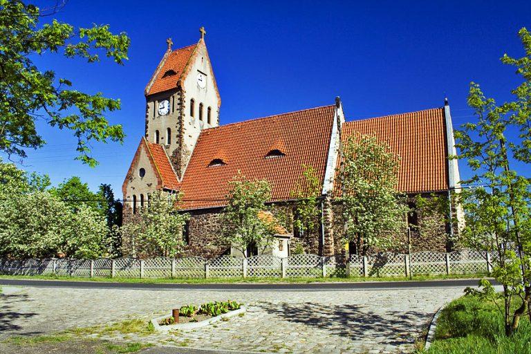 Kościół w Ługach