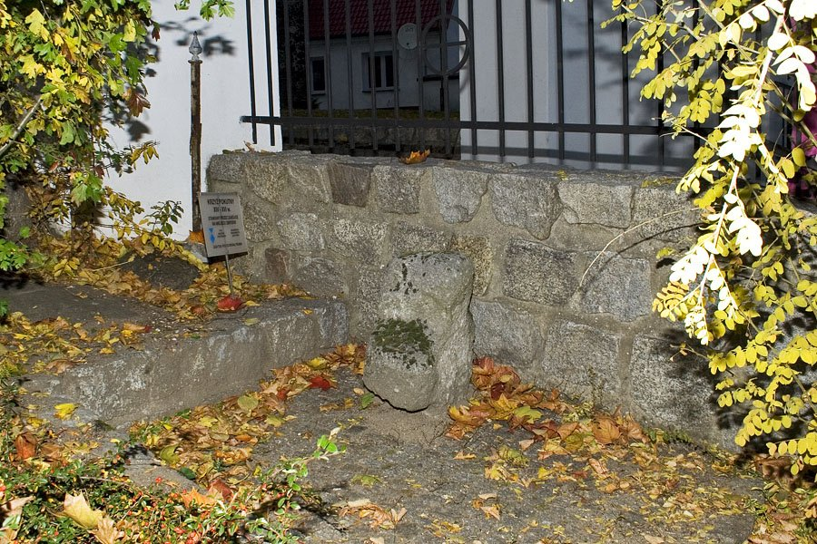 Krzyż pokutny w Ochli