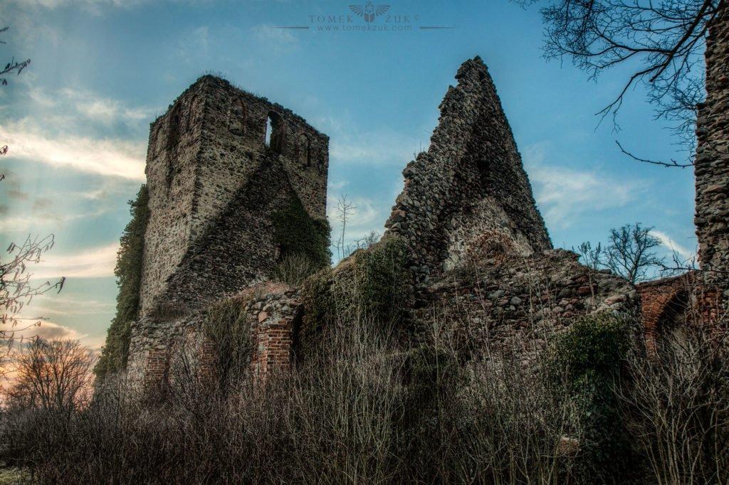Ruina kościoła w Długiem