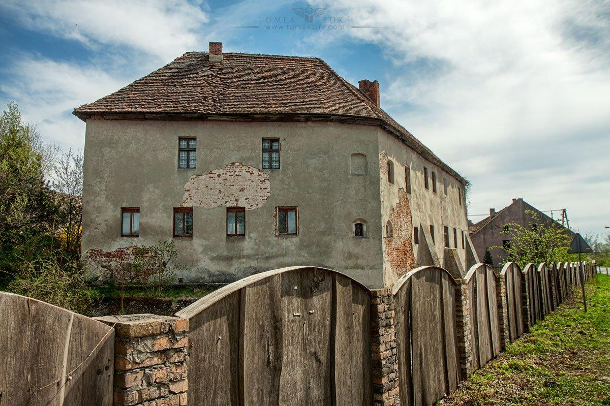 Zamek w Miodnicy